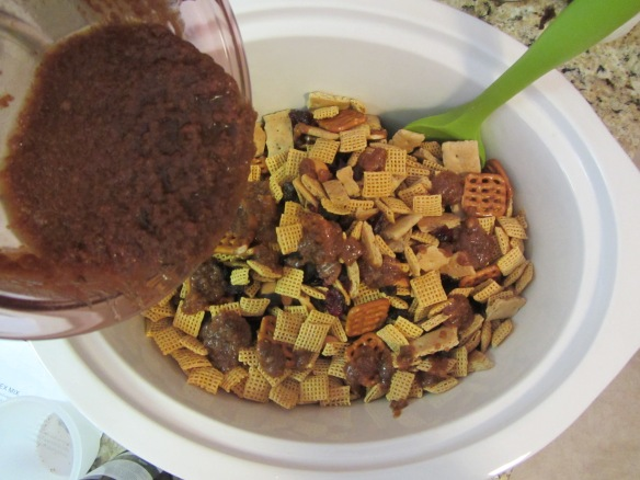 Drizzle the mixture over the cereal mix.