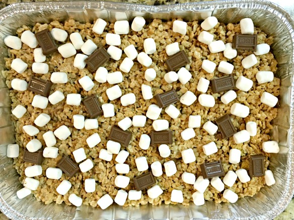 S'mores Rice Krispies Treats | Spoonful of Sugar