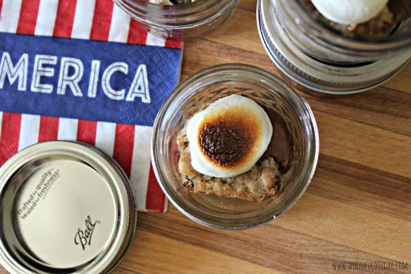 Gooey S'mores Jars | Spoonful of Sugar